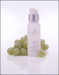 Graham Webb Bibo Amazing Grapes  2oz